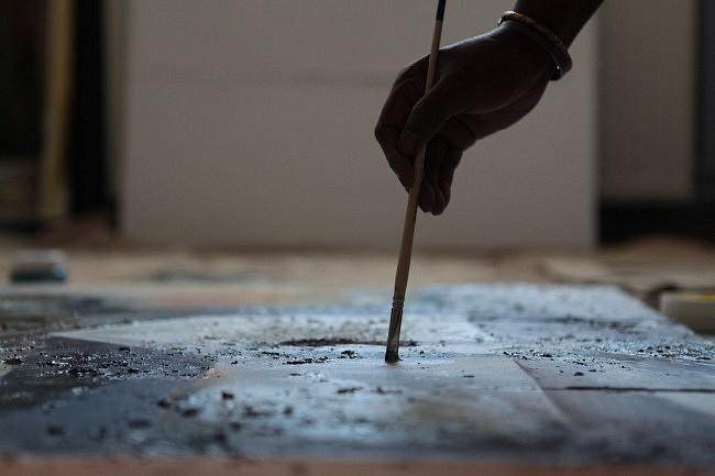 Points 2 vues – Le portrait croisé de deux artistes de génération, de culture et de style très différents: Braïma Injaï et Aurèle Orion. Leurs points de vue sur l&#039;art et la démarche se répondent et se distinguent. Seul point commun, une source d&#039;inspiration : les quartiers des Hauts de Rouen.<br /> Ce film s&#039;intègre dans les &quot;Contes de la vie urbaine Saison 2&quot; réalisés avec le soutien du dispositif Dynamique Espoir Banlieues.