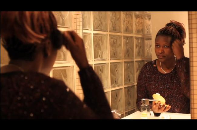 """De nous à toi – Court-métrage """"De nous À toi"""", réalisé avec un groupe de femmes de l'association AIDES. Chacune d'entre elles s'exprime sur leur quotidien """"normal"""" de femme séropositive."""